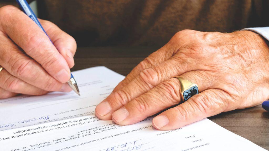 document signing photo